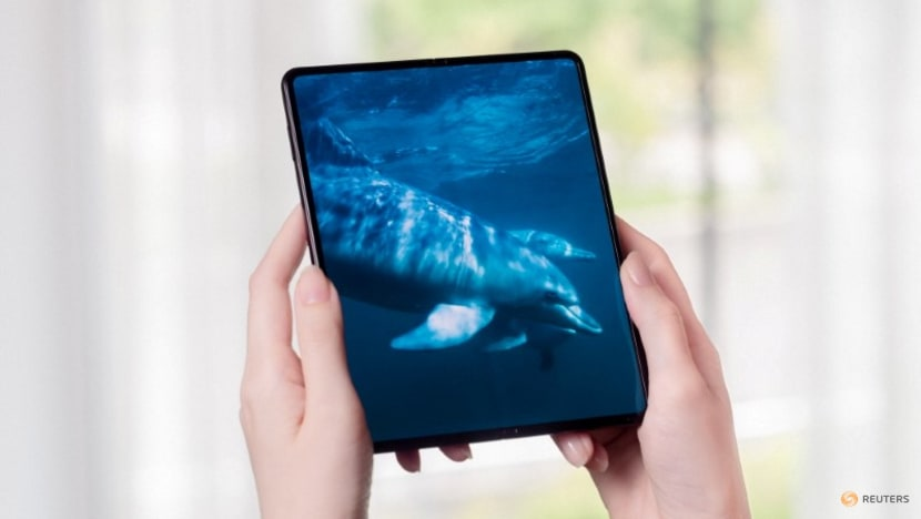 Samsung unveils new foldable smartphones with lower prices to expand market