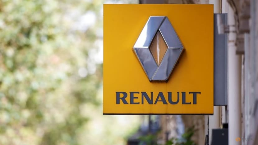 Renault's De Meo pushes Dacia brand with new family car