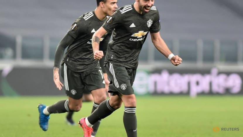 Man United and Tottenham enjoy big away wins