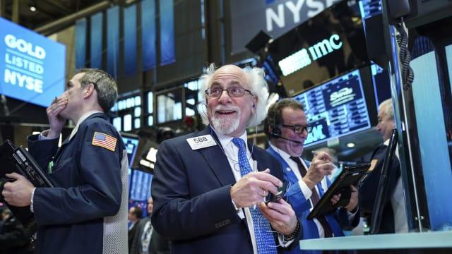 美股全面上扬 三大指数创近3到7个多月来最大单日涨幅