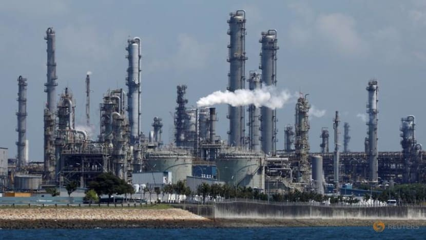 3 former Shell employees charged with bribing vessel inspectors