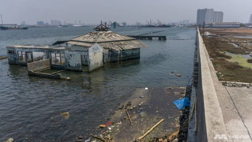 Residents fear Jakarta's sinking problem will be sidelined with Indonesia's capital move