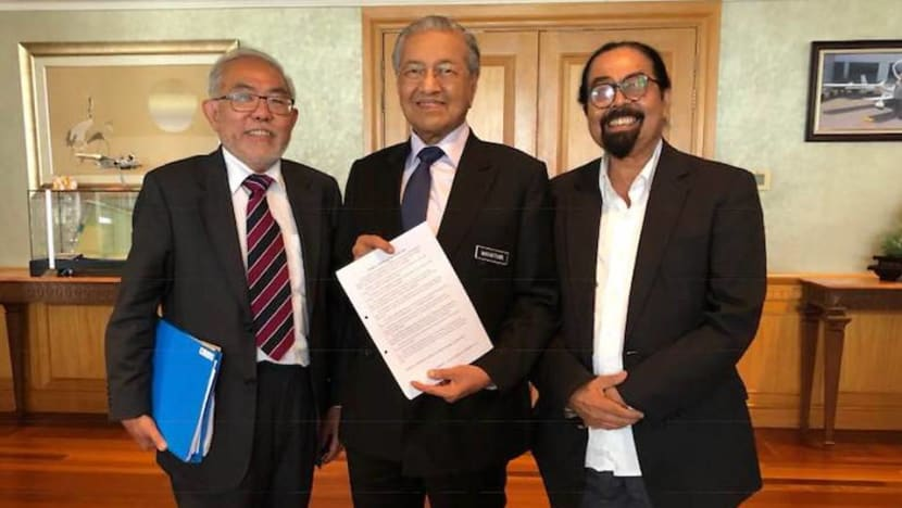 Malaysia PM Mahathir invited to speak at democracy conference by political activists