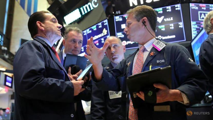 US stocks edge lower ahead of G20