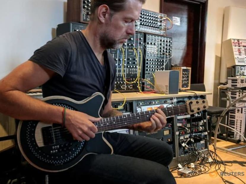 Radical redesign of the electric guitar is put through its paces