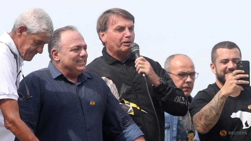 Politicking general puts Bolsonaro at odds with army leaders