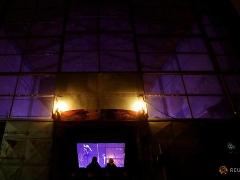 Czech group offers 'take-away' theatre amid COVID lockdown