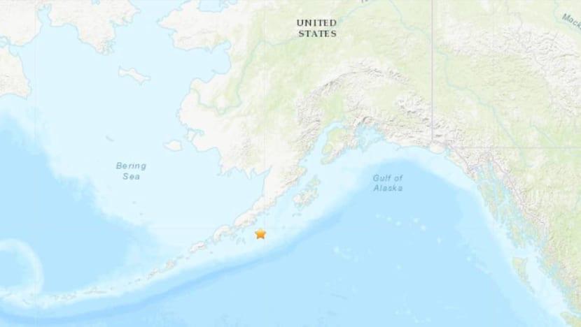 Huge 8.2-magnitude earthquake on Alaska Peninsula triggers tsunami alert