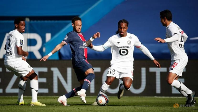 Soccer-David on target as Lille move top with PSG win