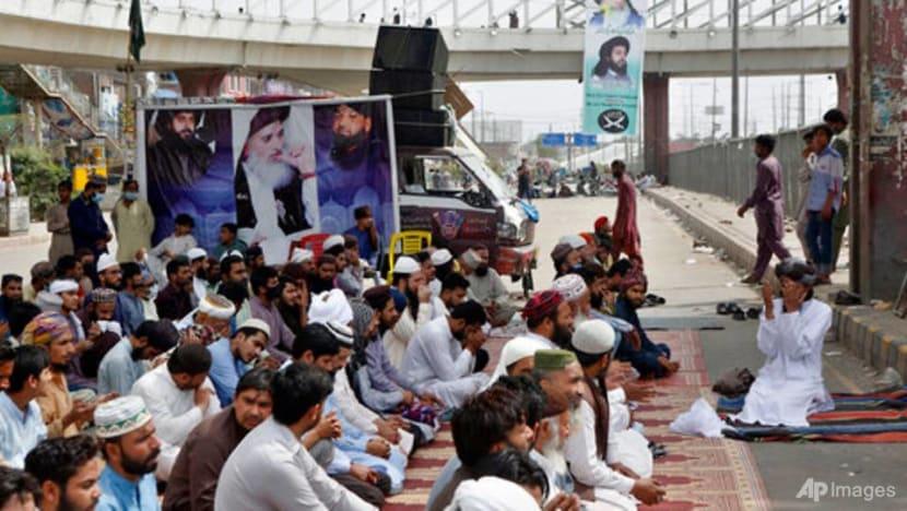 Pakistan bans Islamist political party after violent rallies