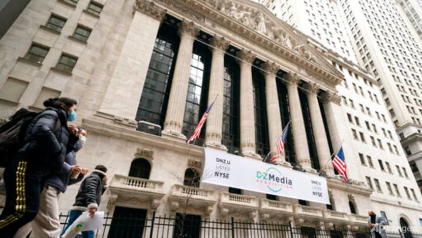 Traders chase sky-high returns in leveraged exchange-traded products