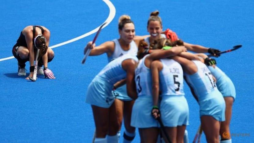 Olympics-Hockey-India, Argentina women reach semis, Australia, Germany out