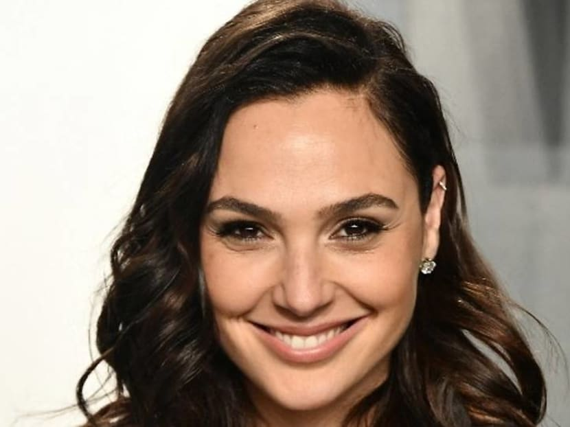 Gal Gadot accidentally cuts off tip of finger and her husband throws it away