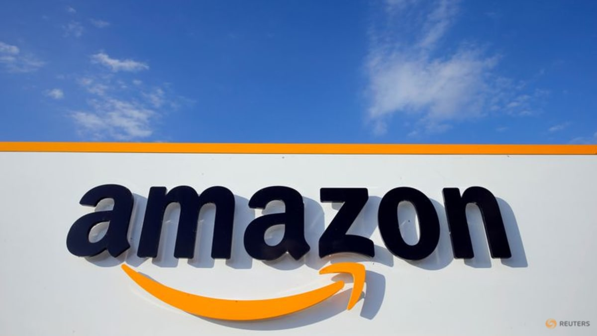 www.channelnewsasia.com: 'Amazon won't change without a union': Canadian warehouse files for union vote