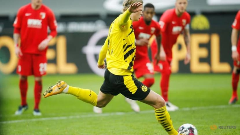 Football: Dortmund beat Augsburg 3-1 for first win in four games