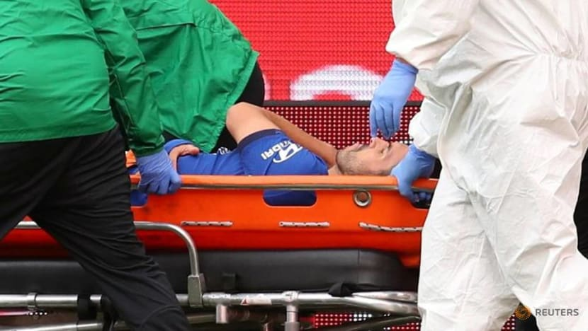 Football: Chelsea's Pedro undergoes surgery for shoulder injury