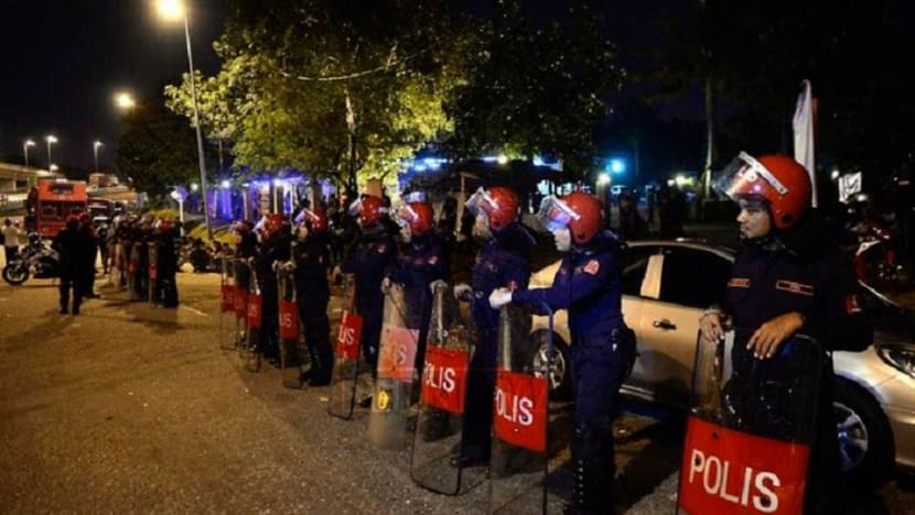 Malaysia temple riot: Police detain group for refusing to disperse, security beefed up