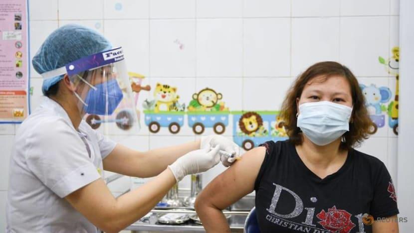 Vietnam to mix doses of Pfizer, AstraZeneca COVID-19 vaccines