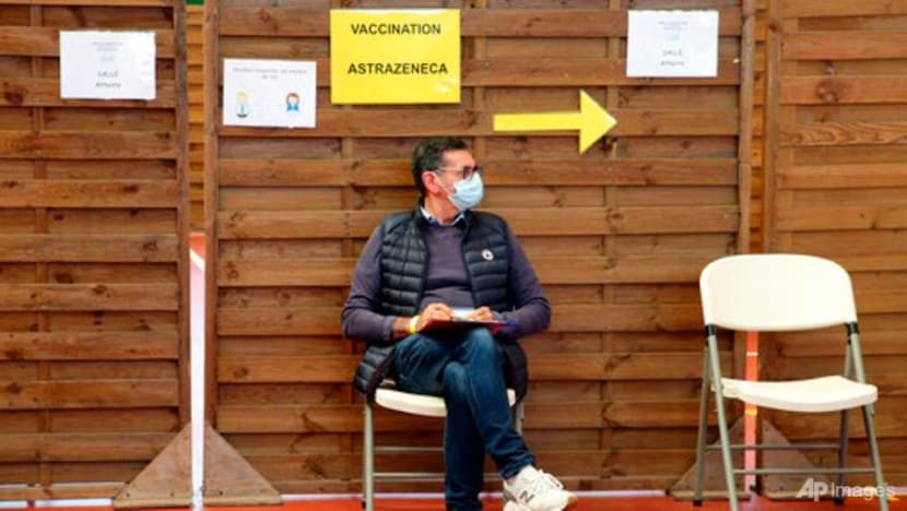 French under-55s given AstraZeneca COVID-19 jab to get different second vaccine