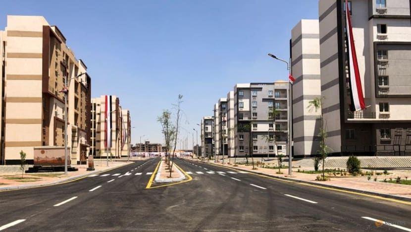 Egypt rushes to build public housing for new capital employees