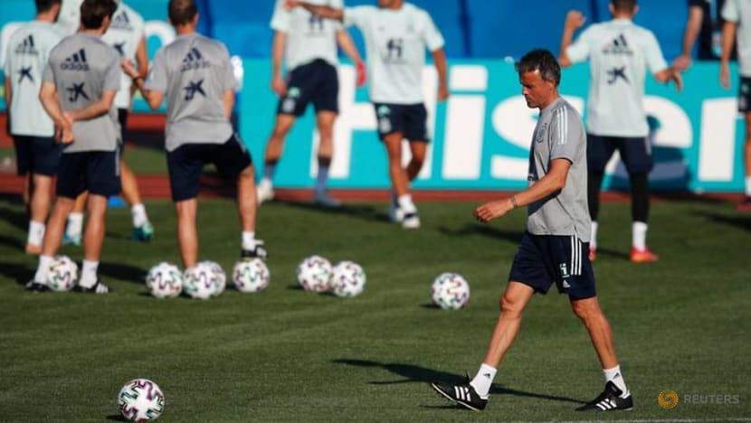 Football: Spain on the rise but Swiss could stifle their game