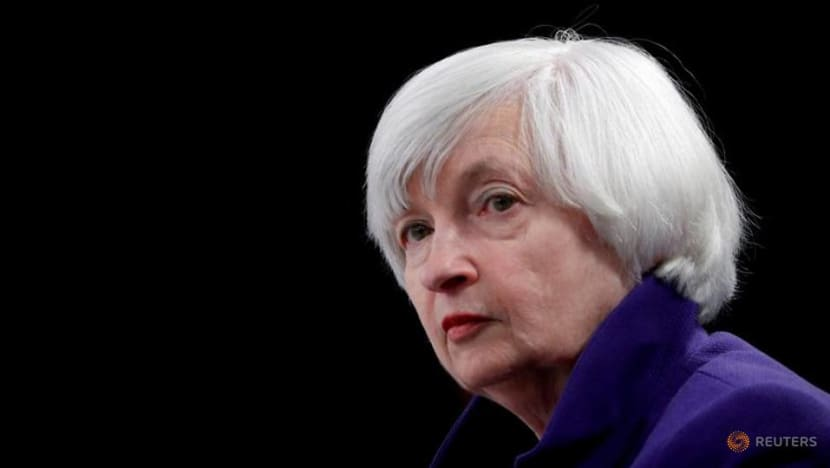 Yellen clarifies she is not predicting Fed rate increases