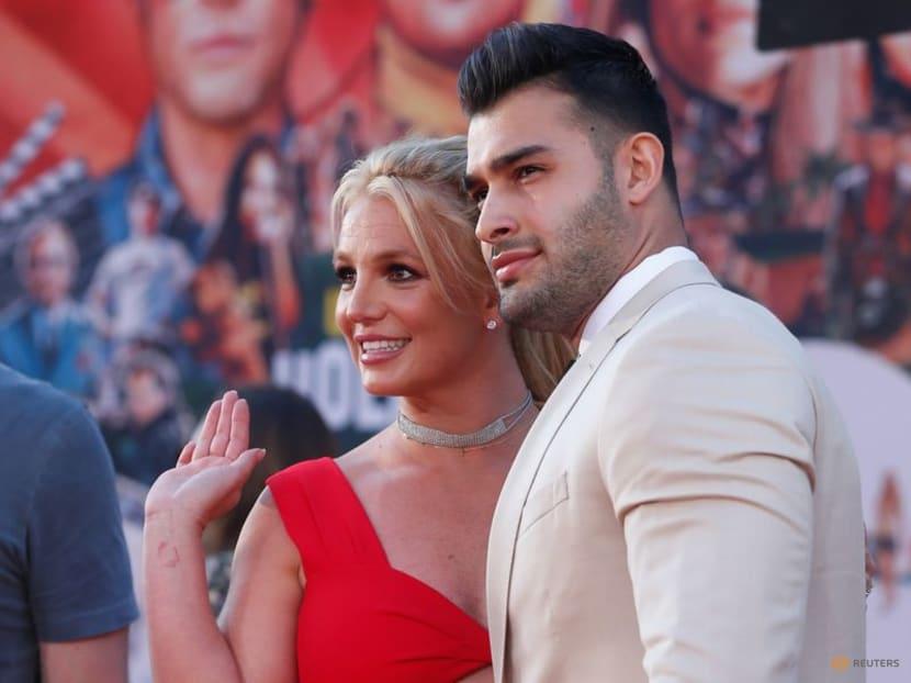 Britney Spears announces engagement to boyfriend Sam Asghari