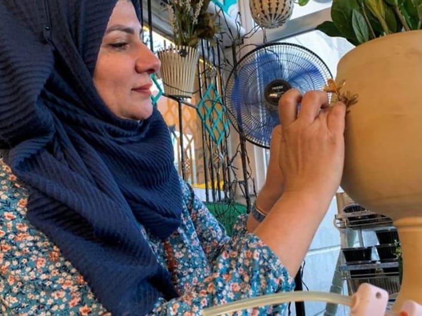 Iraqi engineer turns art into business amid bleak job market