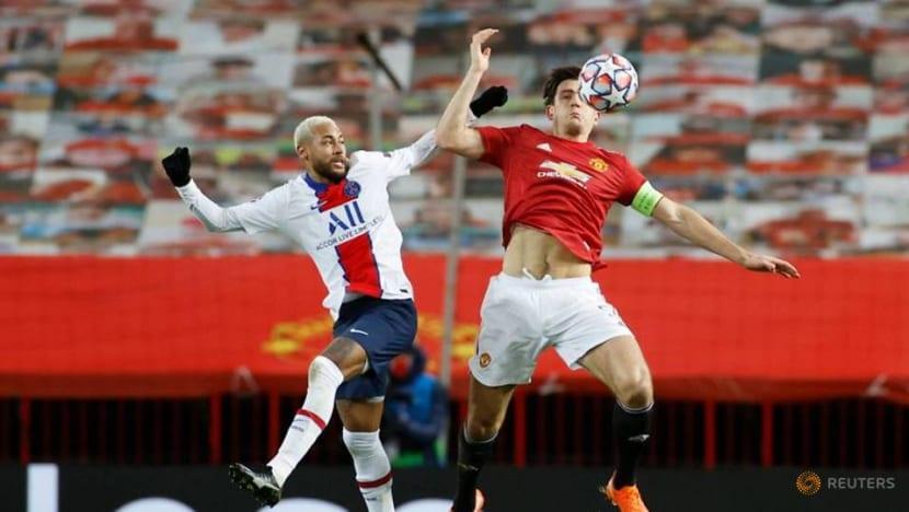 Football: Neymar strikes twice as PSG win at Old Trafford
