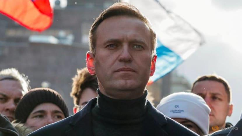 Russia gives Kremlin critic Navalny an ultimatum: Return immediately or face jail
