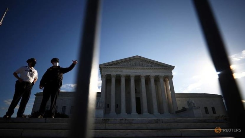 US Supreme Court justices appear unlikely to throw out Obamacare