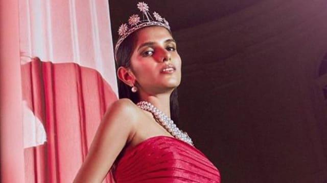 21岁在籍大学生夺新加坡环球小姐2021冠军!