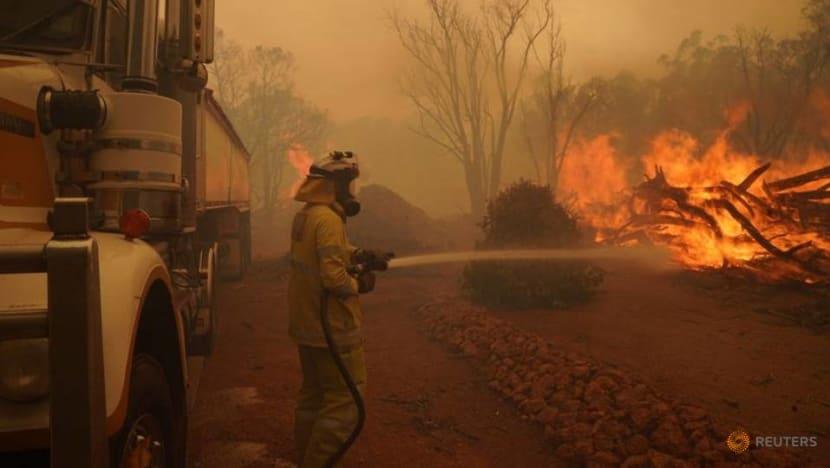 Bushfire smoke blankets Perth under COVID-19 lockdown