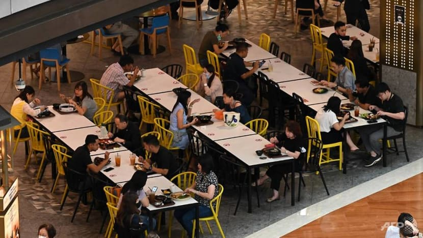 Restaurants expect some challenges as new COVID-19 rules for 5 diners kick in