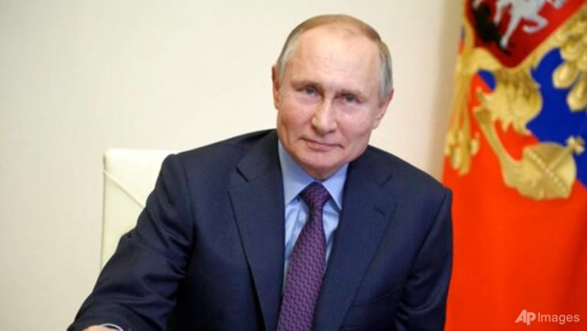 Putin's COVID-19 vaccination to be kept out of public eye