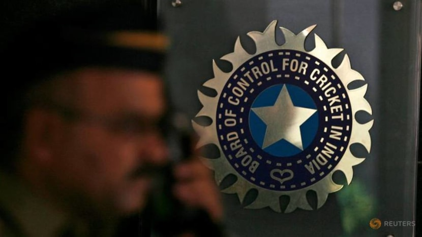 Cricket-'We'll get you home safely', BCCI tells IPL players -reports