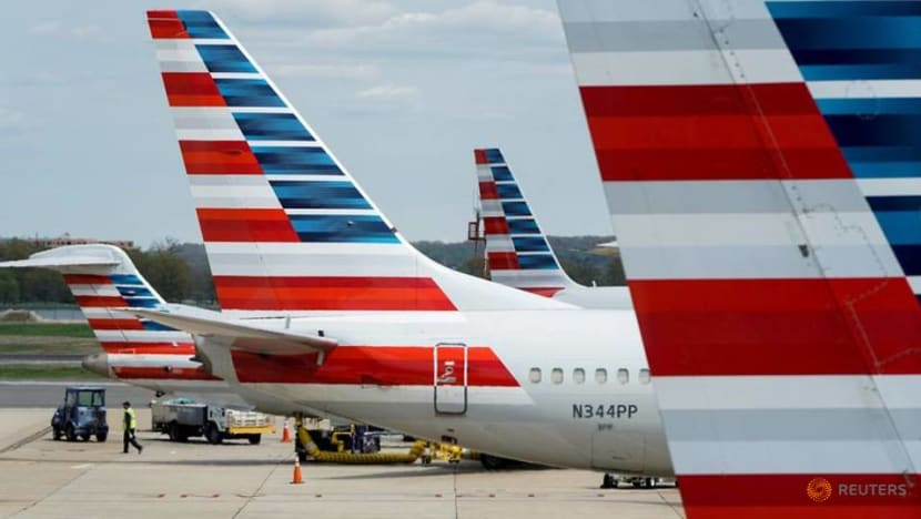 American Airlines posts third straight quarterly loss