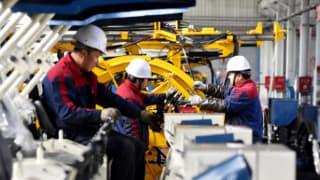 中国七月制造业活动一年多来首次萎缩并创新低