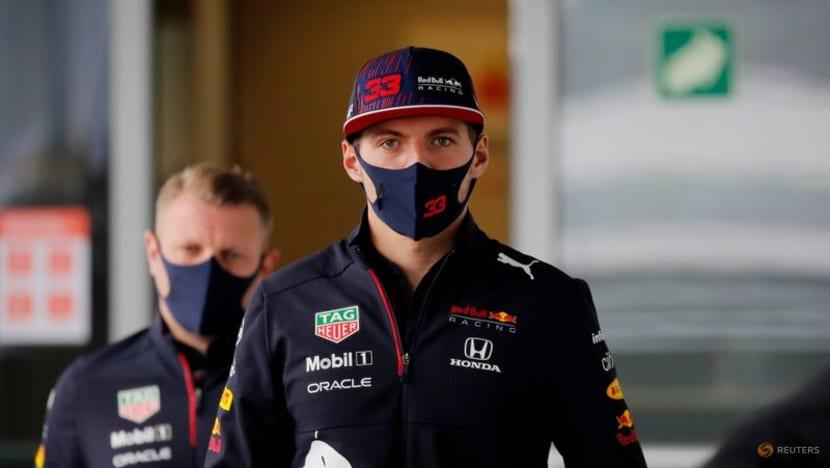 Verstappen laughs off Hamilton's pressure comments