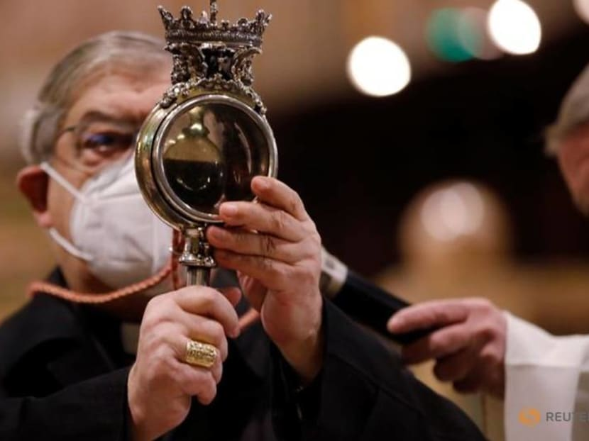 Blood of Naples saint fails to liquefy in what some see as bad omen
