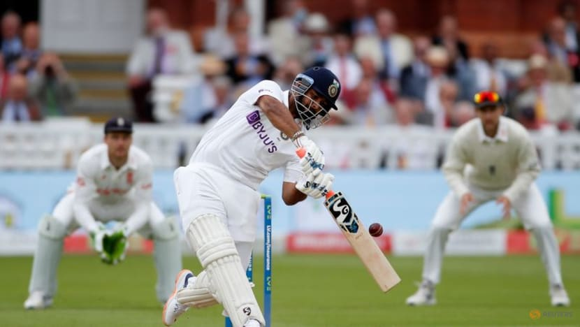 Cricket-England hit back after Anderson takes five to restrict India to 364