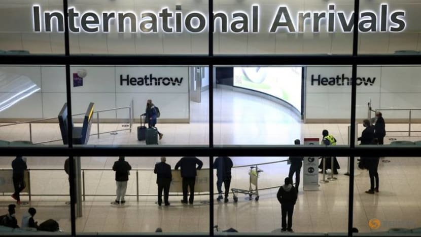 England to allow unquarantined travel from US and EU if vaccinated against COVID-19