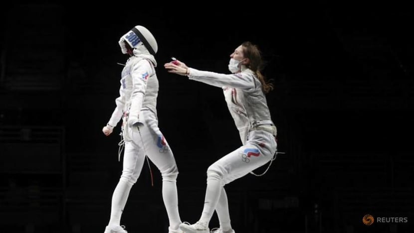 Olympics-Fencing-ROC wins gold in women's team foil