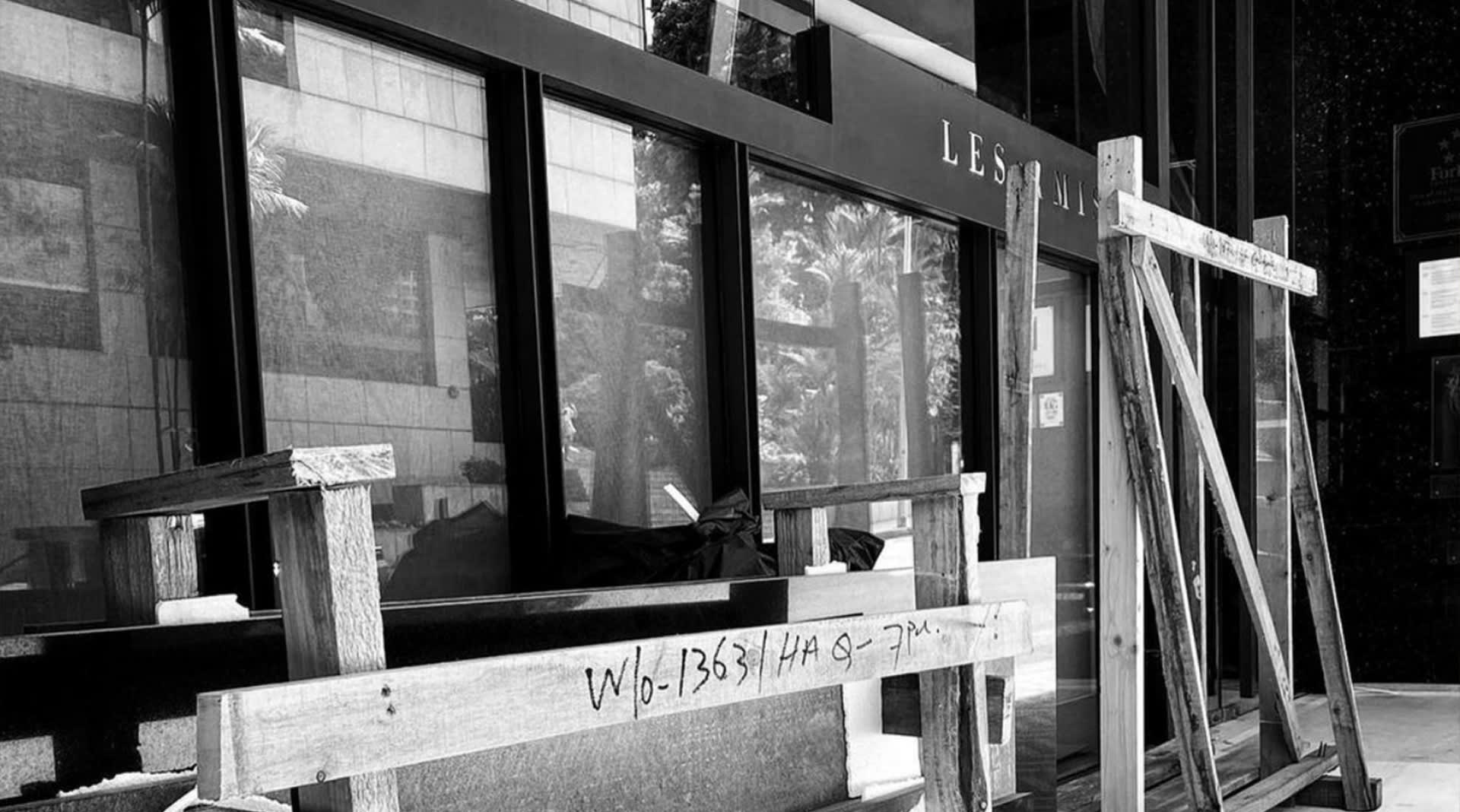Les Amis has emerged after a month-long renovation. What can diners expect?