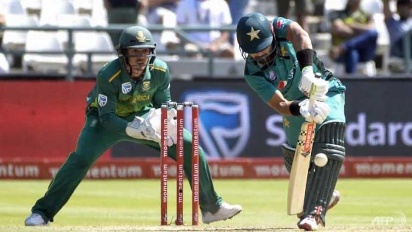 Cricket: De Kock assault sinks Pakistan in series decider