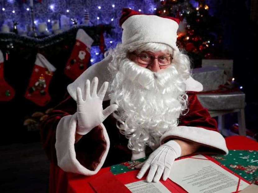Santas in Hungary ditch the chimney and go online to meet children instead