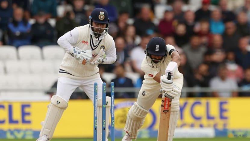 Cricket: Root hits hundred, England turn the screw at Headingley
