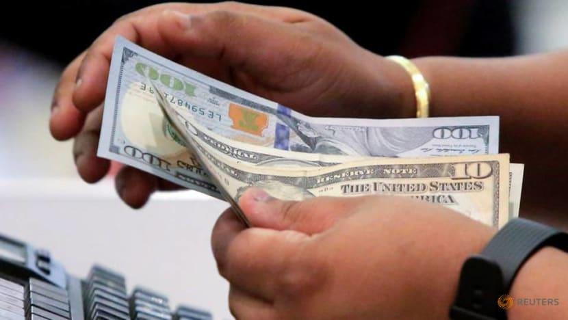 Spiraling COVID-19 cases driving up US layoffs; inflation still benign