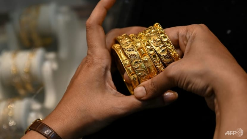 Some people in India sell family gold to survive COVID-19 cash crunch