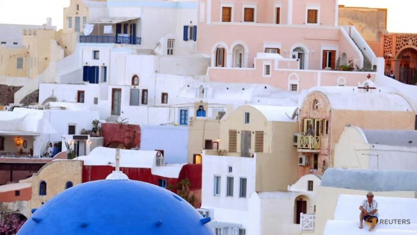 Chinese investors snap up Greek 'Golden Visas'